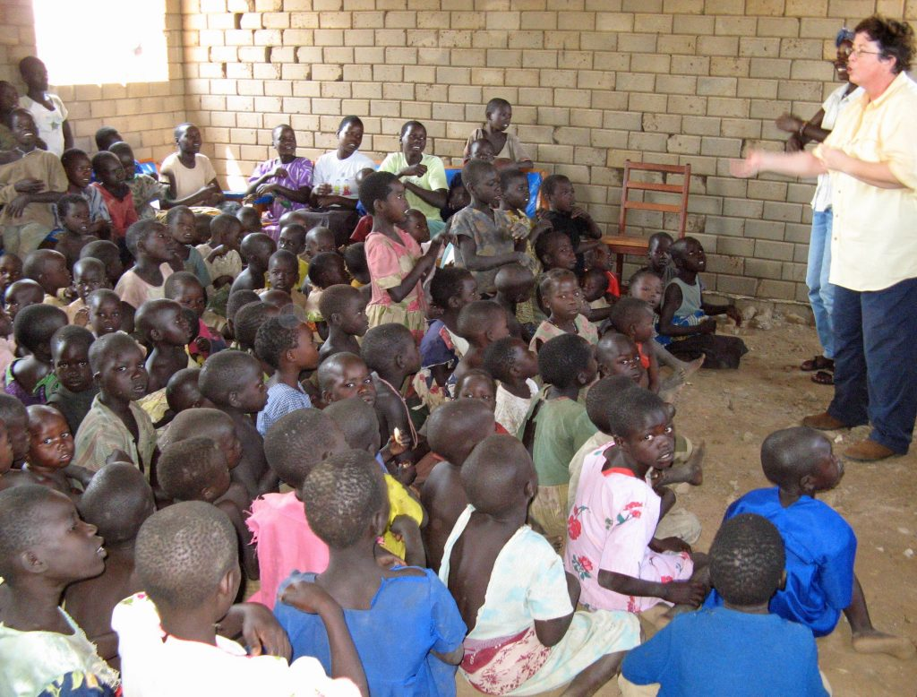 Liz teaching at Paboo IDP camp, Uganda 2007.